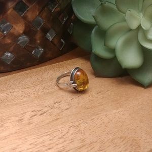 Jewelry - Sterling silver leaf & amber ring